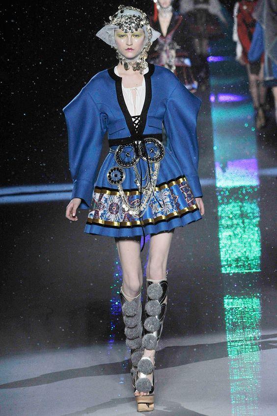 John Galliano Fall 2009 Ready-to-Wear Fashion Show - Anabela Belikova (SILENT)