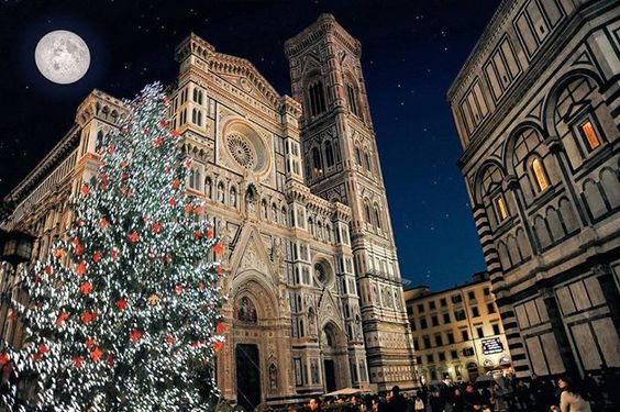 This stunning picture comes from Christmas in Florence ! Stunning !  #Christmas# #Florence# #Italy#
