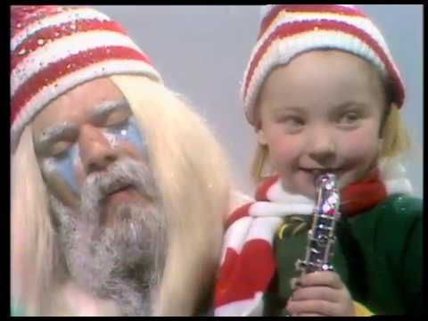 I Wish It Could Be Christmas Everyday Is A Christmas Song Recorded By British Glam Rock Band Wizzard Christmas Music Videos Music Videos Youtube Videos Music