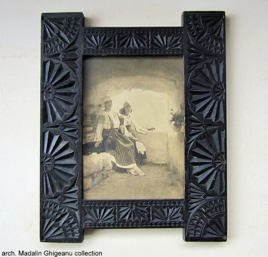 50 best Old frames images on Pinterest   Old frames, Old picture ...