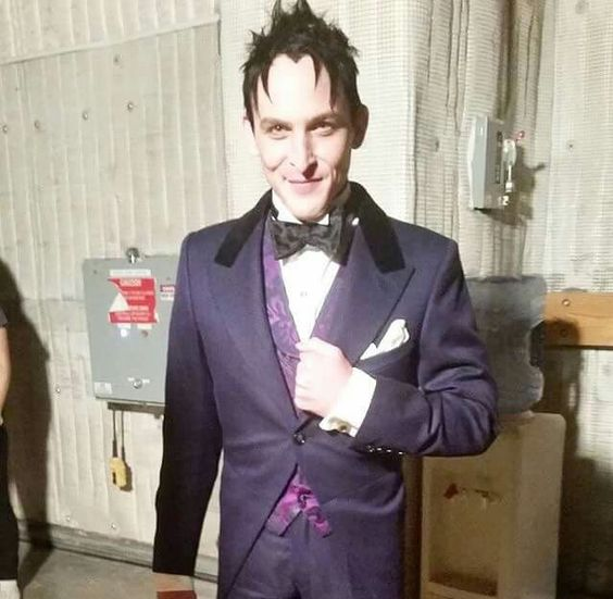 Oswald looks good in purple