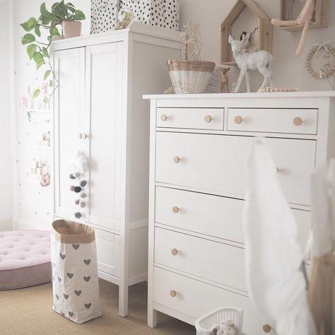 Kinderzimmer Inspiration Kleiderschrank Altrosa Weiss Vintage