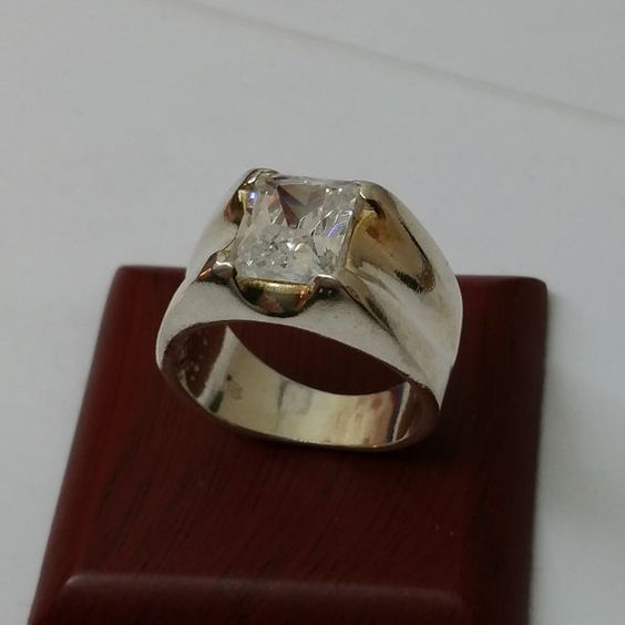 925er Silberring mit klarem Kristallstein SR367 von Schmuckbaron