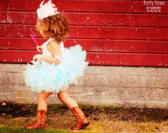 Baby and Girl Boutique Pettitutu - Lemonade Couture - forty toes photography
