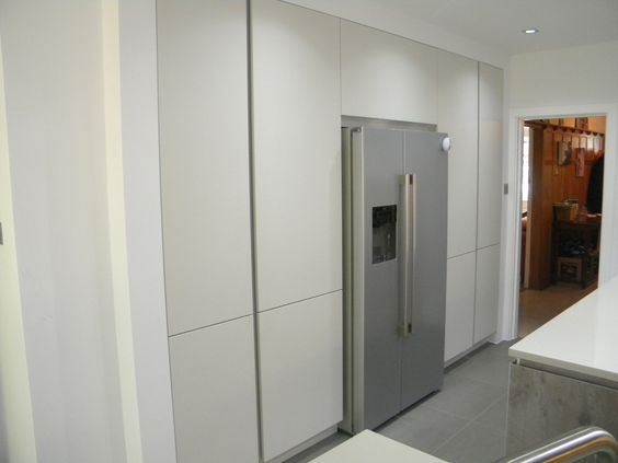 Pronorm matt lacquered crystal tall units with a for Tall fitted kitchen unit