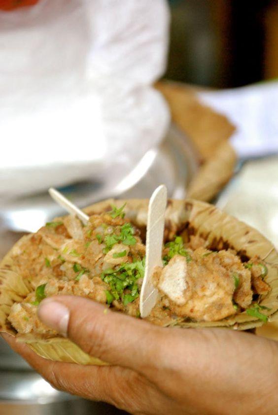 Parar Phuchkawalah Each Para/neighborhood in Kolkata has their local celebrity Phuchkawalah/Phuchka-seller. They are the most sought-after street food. Phuchkas, also known as Golgappas or Panipuri…