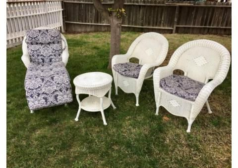 7 Piece White Wicker Patio Set For Sale Docena Used Furniture