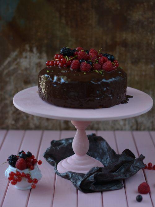 Colors in the Kitchen: Csokitorta pisztáciával és bogyós gyümölcsökkel
