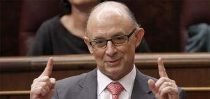 Cristobal Montoro siempre sonríe cuando anuncia recortes e impuestos a los ciudadanos
