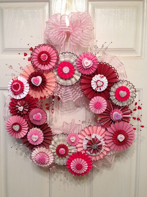 Beautiful Valentine Day Wreaths And Happy On Pinterest