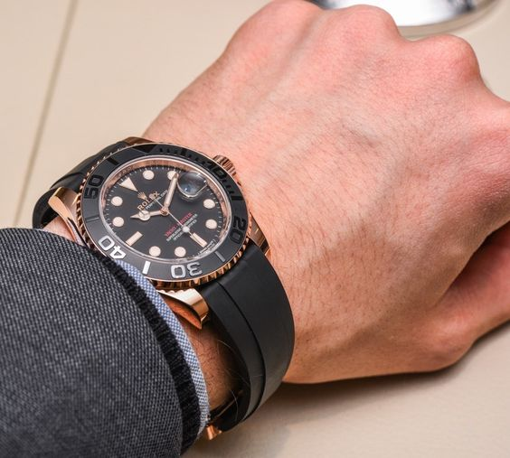 New yachtmaster that was introduced at baselworld 2015...the rubberstrap is actually all kinds of amazing  Rolex Yacht-Master 116655 and 268655 Everose Gold Ceramic
