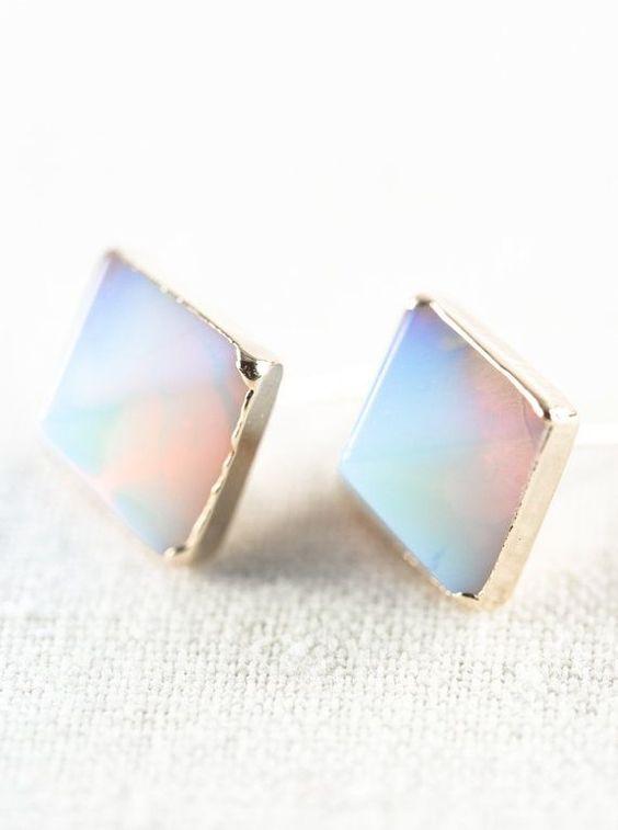 earrings gold rainbow moonstone stud