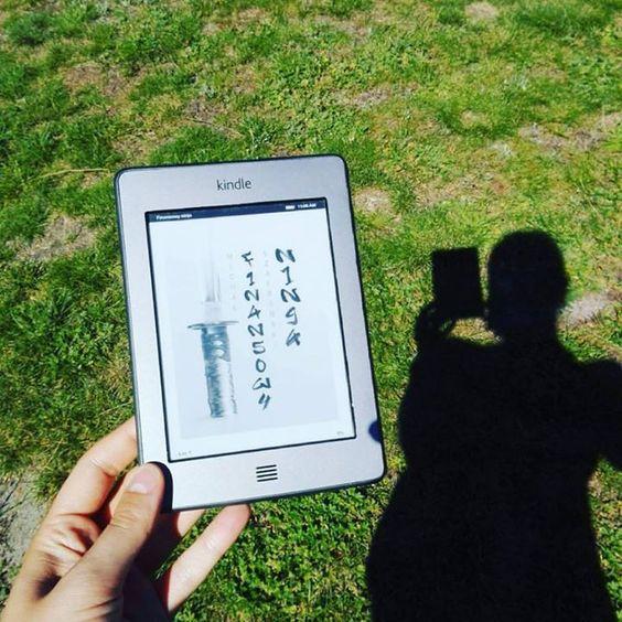 Nowa lektura macie już ją? Słoneczna niedziela z wartościową wiedzą od @michal_szafranski   #niedziela #sunday #lektura #ksiazka #czytanie #lato #wakacje #odpoczywam #finansowyninja #ebook #czytam #wiedza #finanse #michalszafranski #kindle #book #reading #slonce #goraco #sun #summer