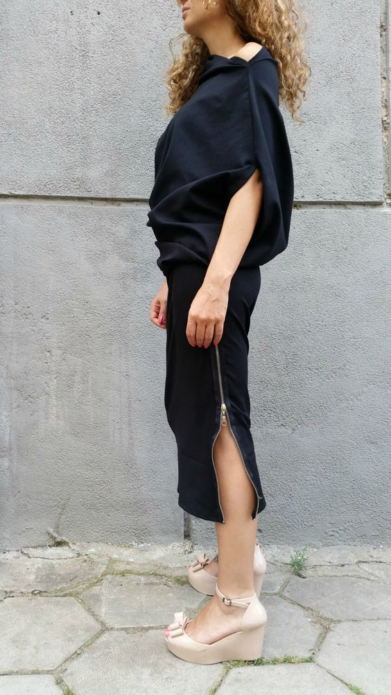 Asymmetrical Maxi Tunic Dress, Extravagant Grey Kaftan, Loose Dolman Sleeve Dress / MD 10012 by MDSewingAtelier on Etsy https://www.etsy.com/uk/listing/223274090/asymmetrical-maxi-tunic-dress