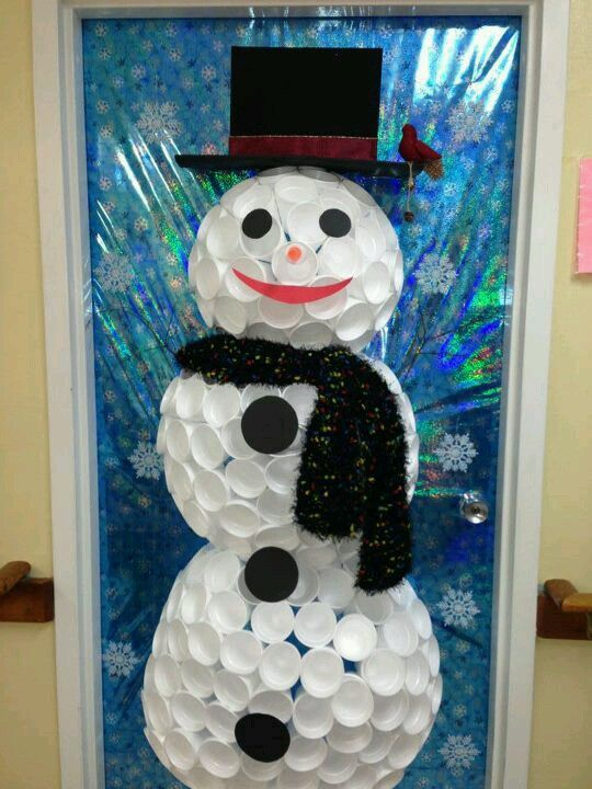 Foam cup snowman for your door could make a tree out of for Cup snowman