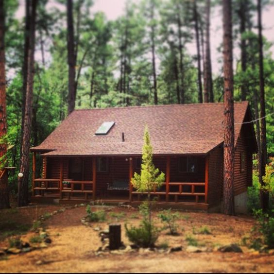 Cozy cabins our cozy log cabin cabins cheryl jenkins for Log cabin portici e ponti