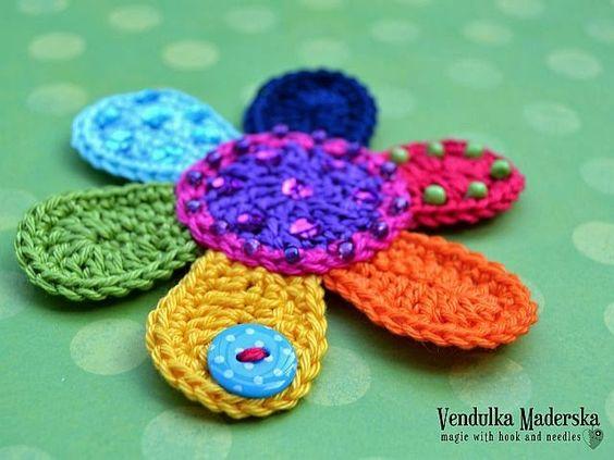 Flower Applique, free pattern by Vendulka Maderska. ♥: De Flor, Crochet Flower, Free Pattern, Big Flower, Applies Hook, Crochet Pattern