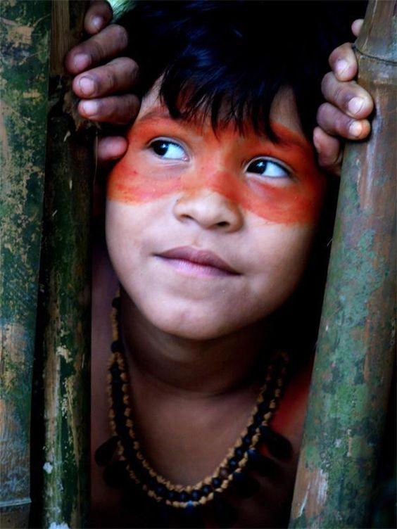 menino Pataxó - Brasil