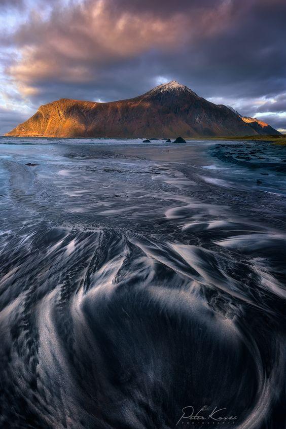 .. Flowing Sand .. by Peter Kováč