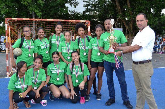 Pimentel y Fantino ganan torneo regional de balonmano