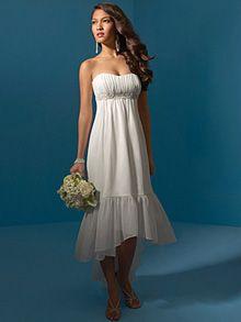 Super casual/beach/outdoor wedding dress. Love it. - Do I want a ...