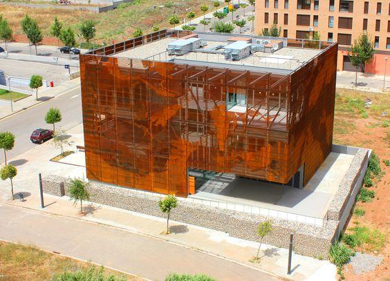 Galeria de IGC Tremp / Oikosvia Arqutiectura - 8