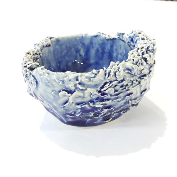 27/05/2015 - Waves, ceramic pot made to mimic waves