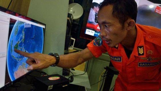 Siga los últimos detalles sobre la desaparición del vuelo QZ8501 de Airasia. Visite nuestra página y sea parte de nuestra conversación: http://www.namnewsnetwork.org/v3/spanish/index.php