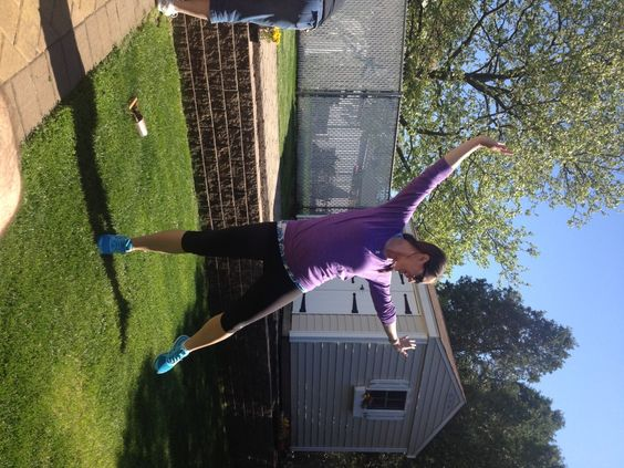 I love dancing in my ZeeBee Threads top! Check out my blog to enter the giveaway. Http://runlikeagrl.com