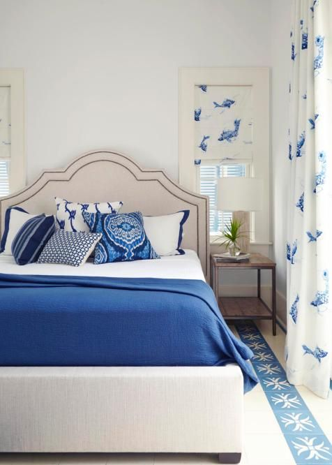 for a crisp ocean inspired color palette in this beautiful bedroom
