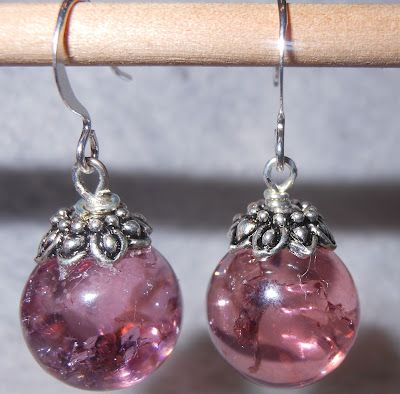 How to Make Cracked Marble Jewelry.  creativethriftiness.com