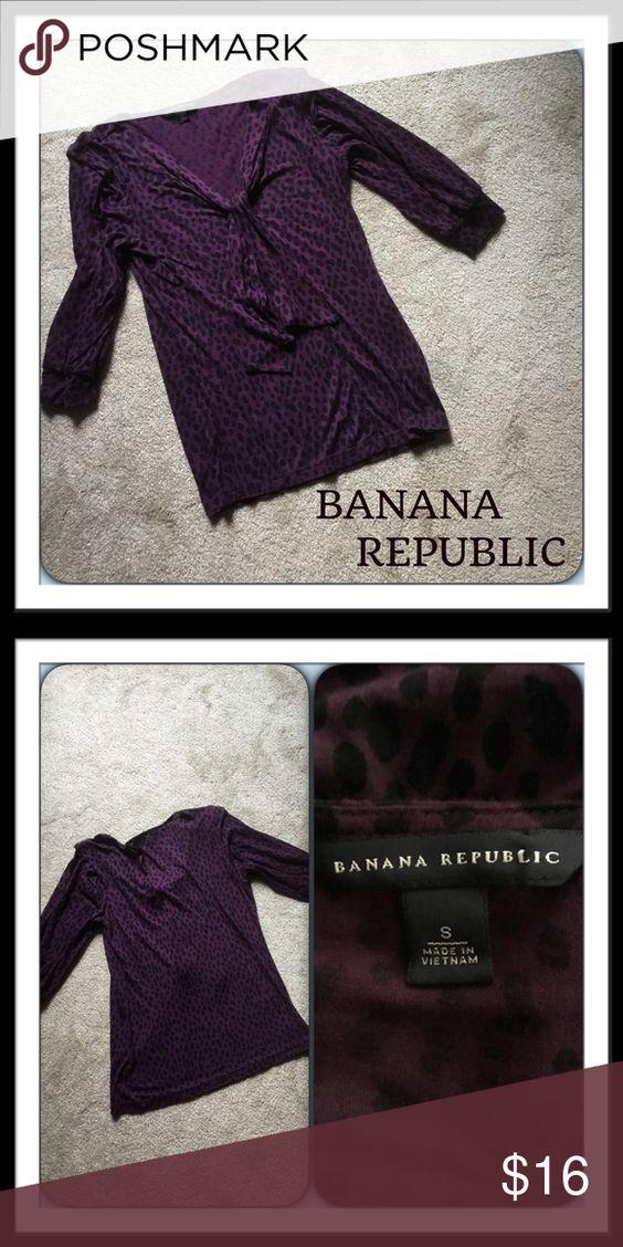 #322  🌴 BANANA REPUBLIC TOP LIKE NEW!!!  Purple top with black leopard spots.  V-neck.  3/4 sleeves.  Rayon/Lyocell Banana Republic Tops
