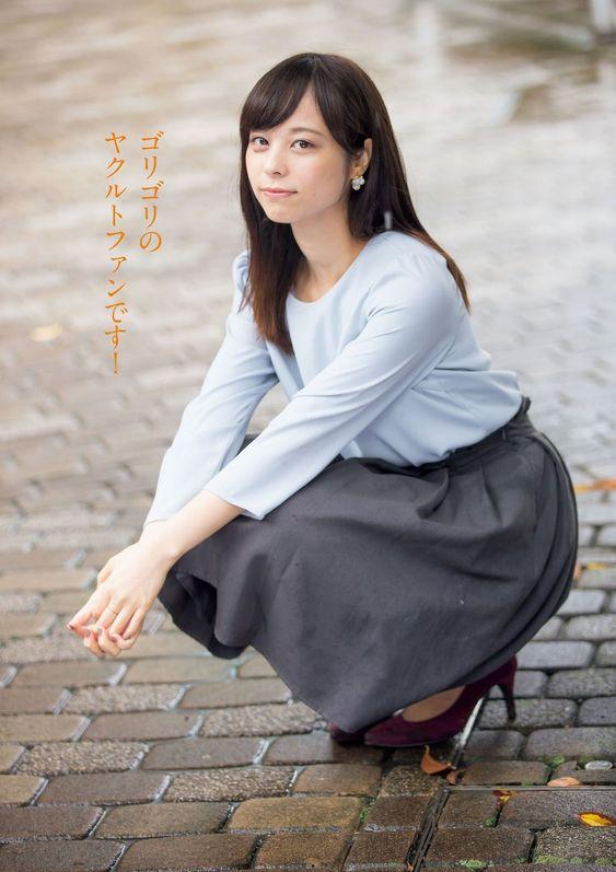落ち着いたファッションの山本萩子アナ!