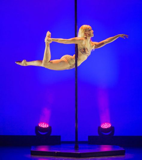 Finnish Pole dancer Anna de Carvalho performs during the final rehearsal of the Hansa variety theater in Hamburg