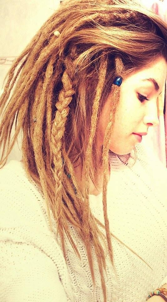 Discovered By Octohmॐ Find Images And Videos About White Alternative And Blond On We Heart It The App To G Rasta Hair Dread Hairstyles Dreadlock Hairstyles