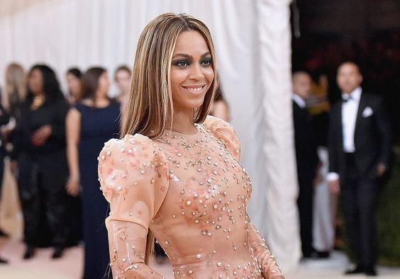 Saiba o que Beyoncé pensou sobre o seu vestido de noiva, feito pela mãe