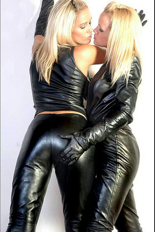 Very small blond huge dildo