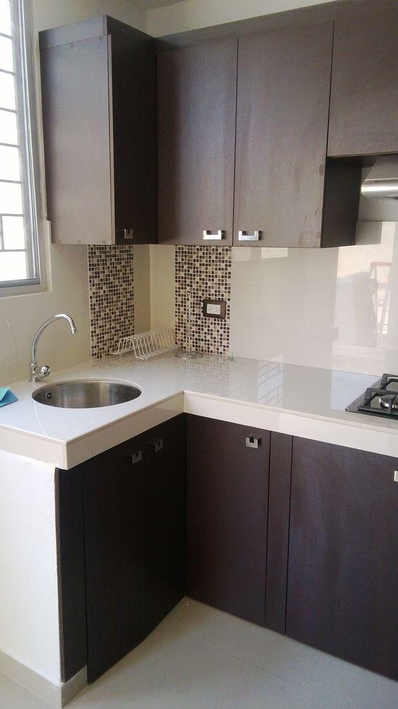 Lavaplato empotrado en mes n de porcelanato blanco silva for Muebles de cocina hasta el techo