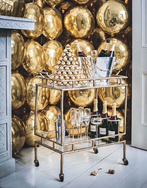 New Years Eve Party Ideas | Gold Bar Cart Holiday Celebration | Our complete list of New Years Eve party ideas from decorations to healthy New Years Eve Recipe! We have rounded up a complete list of everything you need to host the ultimate new years eve party! The perfect party New Year's Eve celebration with your friends or family! #nye #newyears #newyearseve #newyearsevedecor #nyedecor #decoration #decorideas #partyideas #celebration #partynewyears #newyearsrecipes #nyerecipes