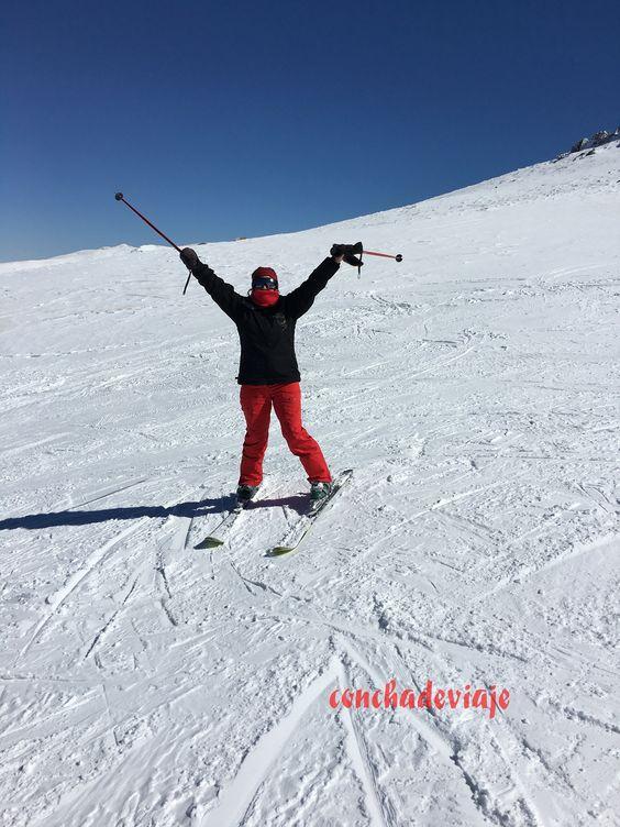 Esquiando por el valle d S Juan en S Nevada
