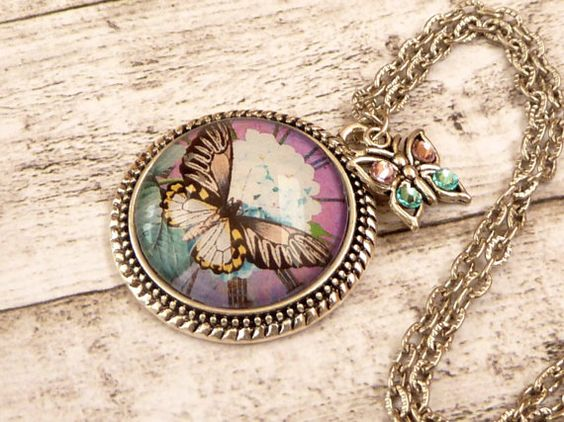 Schmetterling Halskette Bettelkette in lila türkis von Schmucktruhe