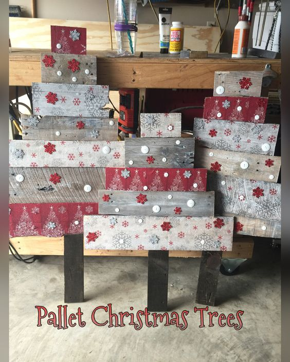 Christmas trees made out of old pallets rick pallet for Crafts made out of pallets