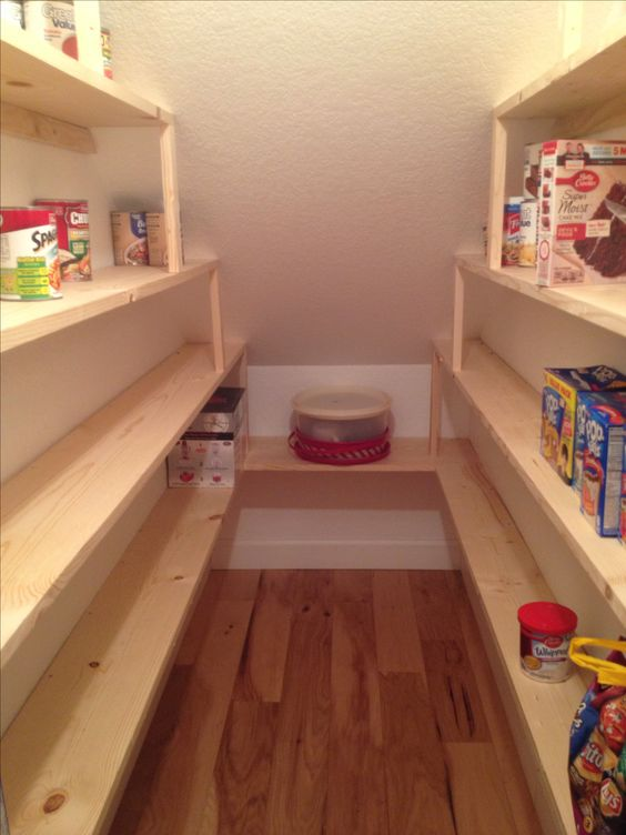 Under stairs pantry shelving pantry pinterest the for Kitchen ideas under stairs