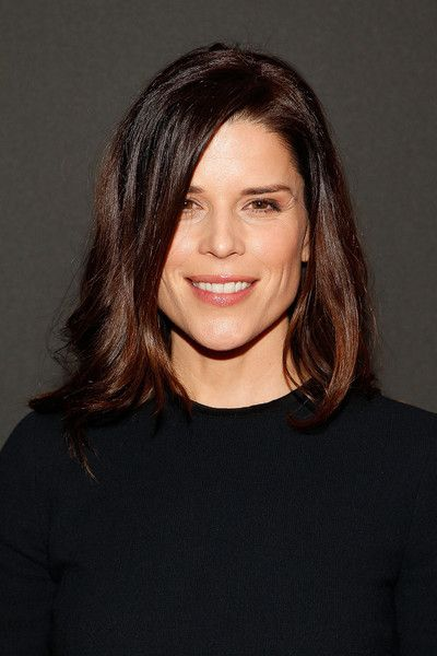 Neve Campbell Photos - Portrait Unveiling and Season 4 Premiere of 'House Of Cards' - Zimbio