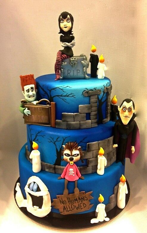 Pin By Amal A On Noahs Birthday Halloween Cakes Hotel
