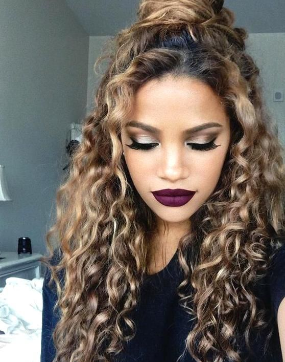 Half Updo Hairstyle For Curly Hair In Summer In 2020 Curly Hair Styles Curly Hair Styles Naturally Hot Hair Styles