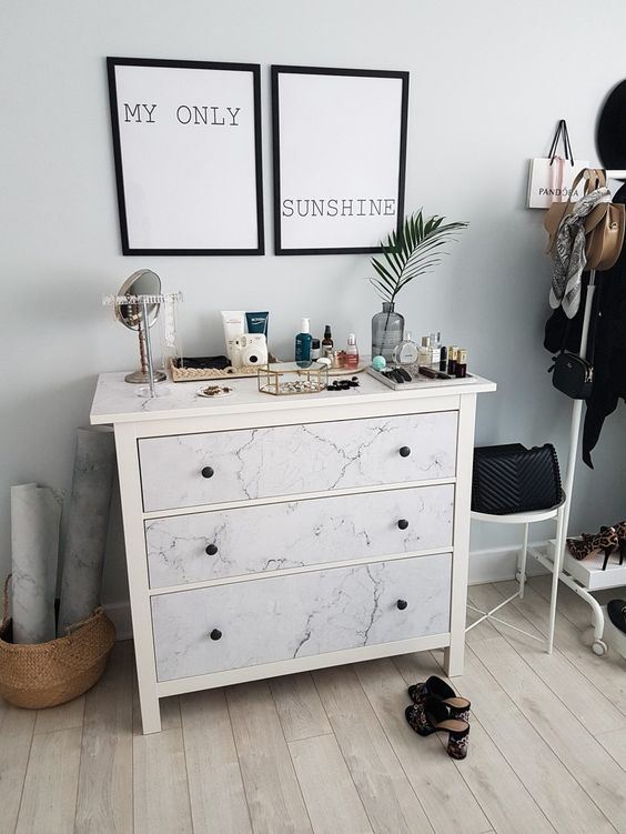#ikeahack #ikea #marble #dresser source: http://www.petiteandbold.com/bedroom-makeover-installing-our-pixerstick-wall-mural-a-chic-ikea-hack/