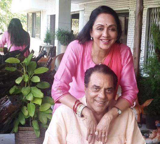 Hema Malini Height Weight Age Biography Husband More Starsunfolded Hema Malini Bollywood Actress Bollywood Photos