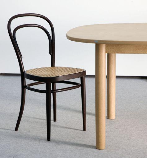 Der berühmte Kaffeehausstuhl ist eine Ikone - THONET-Möbel - Stühle, Tische, Sessel und Sofas, Design-Klassiker aus Bugholz und Stahlrohr