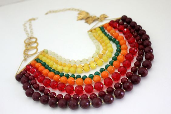 Divine color necklace is made of agate, aventurine, glass and gold plated silver. Superb.Handmae. Immediate availability. Perfect for elegant occasions. 100% made in Italy. By GStone